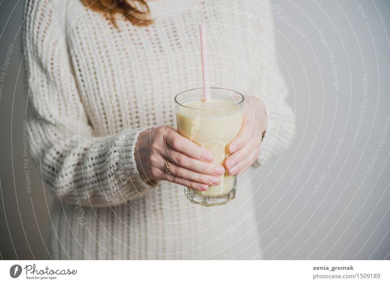 buttermilk Organic produce Vegetarian diet Diet Fasting Beverage Drinking Cold drink Milk Longdrink Cocktail Glass Straw Lifestyle Beautiful Personal hygiene