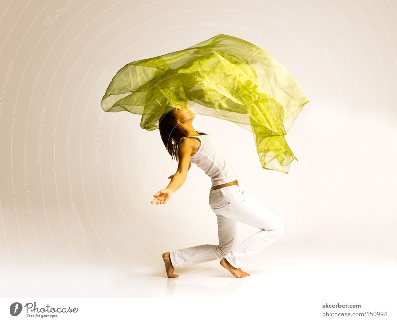 Under the cloth Woman Joy Wind Laughter Dance Rag