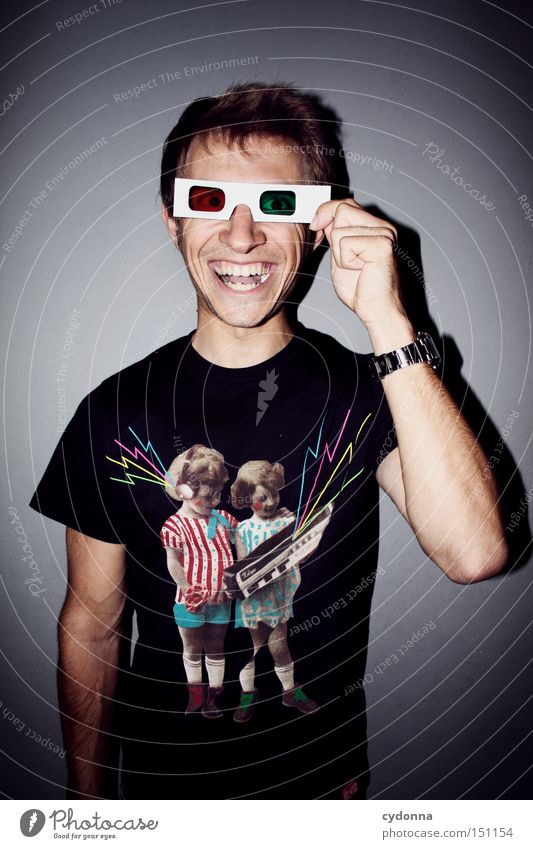 Human being Man Youth (Young adults) Green Red Joy Style Fashion Communicate T-shirt Eyeglasses Trashy Discern Three-dimensional