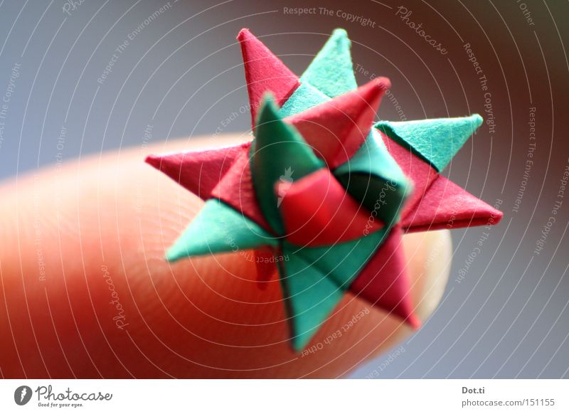 microorigami Skin Leisure and hobbies Handicraft Handcrafts Decoration Fingers Paper Kitsch Odds and ends Exceptional Sharp-edged Beautiful Small Point Green
