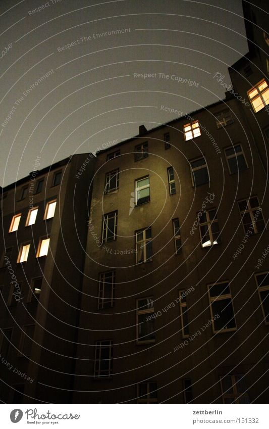 House (Residential Structure) Berlin Window Living or residing Night Illuminate Backyard Courtyard Neighbor Town house (City: Block of flats)