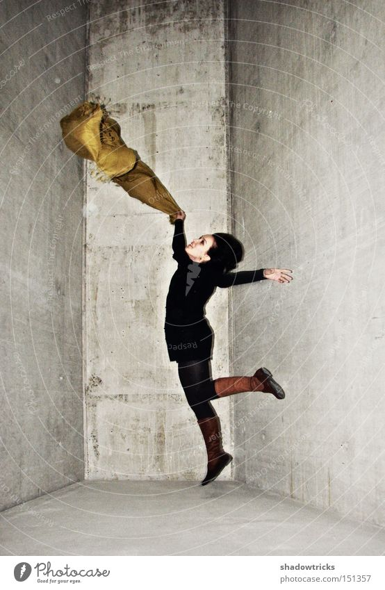 Human being White Joy Yellow Cold Jump Gray Skin Concrete Joie de vivre (Vitality) Rag Hop Cloth