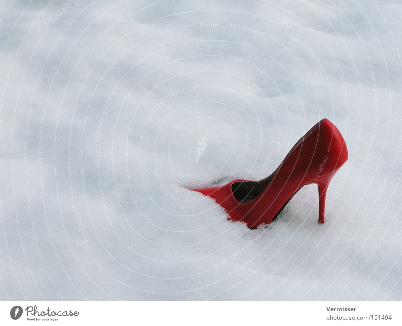 She's gone, ... High heels Snow Winter Cold Doomed Bad weather Red Cinderella Fairy tale Clouds Blood is in the shoe The right bride is still at home Loneliness