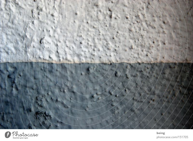 fifty-fifty Wall (building) Plaster Wall (barrier) Paintwork Gray Dark gray 2 Divided Across Length Detail Sporting event Competition roughcast light gray