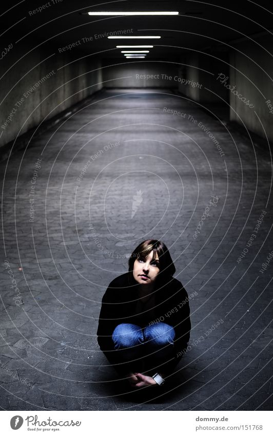 Woman Dark Fear Small Sit Infinity Tunnel Distress Shadow Eerie Scaredy-cat Duck down