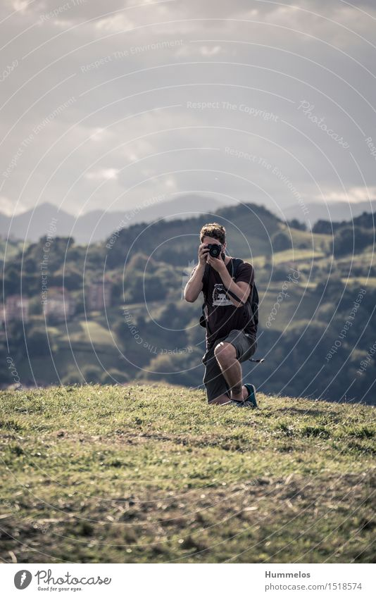 Outdoor photographer Vacation & Travel Summer Human being Masculine Young man Youth (Young adults) Adults 1 18 - 30 years Work and employment Kneel Esthetic