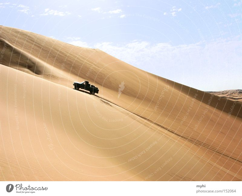 We did it! Desert Sahara Dry Safari Offroad vehicle Vantage point Driving Sand Beach dune Dune Tracks Barrier Fight jeep