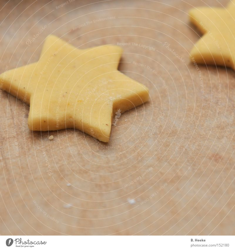 Off to the oven Star (Symbol) Baked goods Christmas & Advent Dough Pierce Baking tray Cookie Candy Household Cake Christmas baking shortcrust pastry