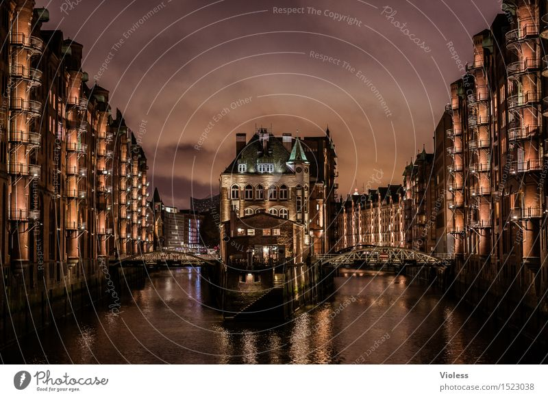 Water Dark Architecture Building Exceptional Facade Glittering Fantastic Hamburg Manmade structures Harbour Balcony Landmark Monument Tourist Attraction