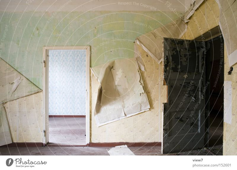 passage room Door Wall (building) Fashioned Wallpaper Pattern Wood Floor covering Ground Hallway Wooden floor Parquet floor Colour Dye Detail Derelict