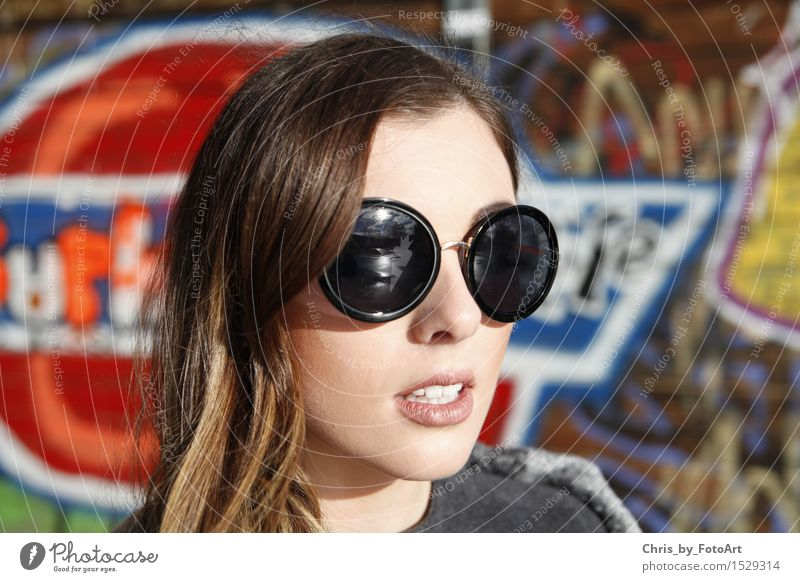 chris_by_photoart Lifestyle Style Woman Adults 1 Human being 18 - 30 years Youth (Young adults) Esslingen district Sports ground Fashion Sunglasses Brunette