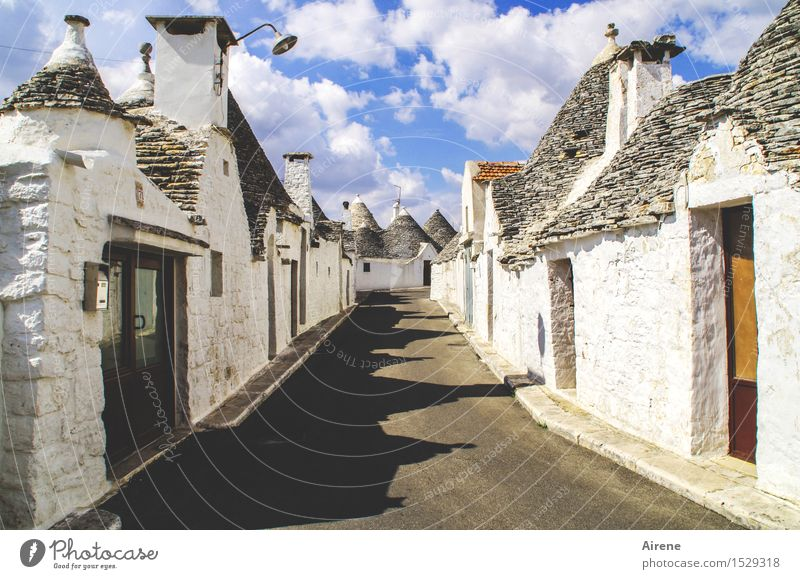 Sky Blue White Clouds House (Residential Structure) Street Lanes & trails Gray Exceptional Facade Point Uniqueness Italy Beautiful weather Roof Village