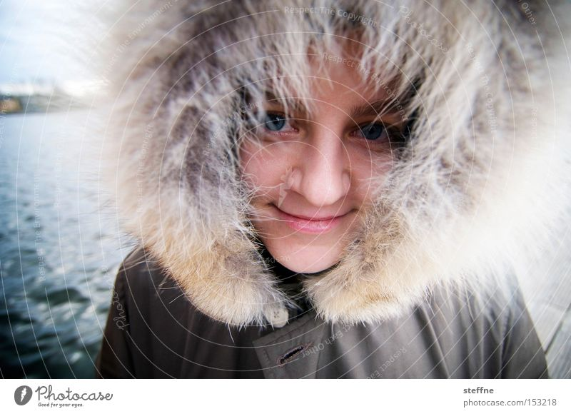 Woman Winter Cold Laughter Lake Pelt River bank Hooded (clothing) Spree Afro Inuit