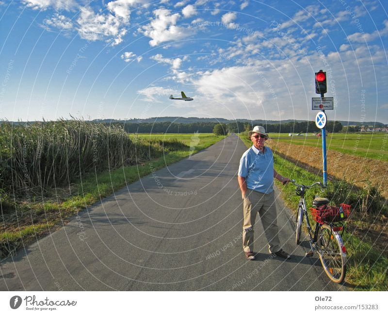 deceleration Calm Traffic light Wait Red Airport Street sign Summer sovereignty Cycling