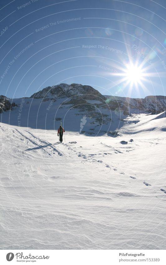 Sky Sun Winter Mountain Snow Sports Rock Ice Hiking Peak Skiing Skis Footprint Glacier Winter sports Ski tour
