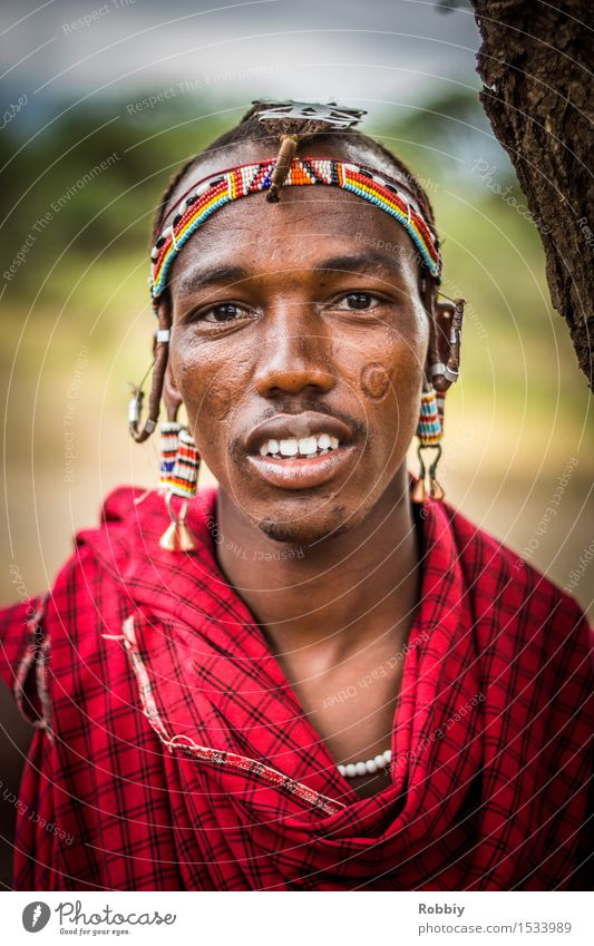 Masai II Masculine Young man Youth (Young adults) Man Adults 1 Human being 18 - 30 years Jewellery Headdress Authentic Exceptional Exotic Friendliness