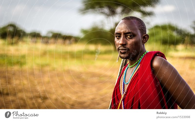 Massai III Masculine Young man Youth (Young adults) Man Adults 1 Human being 18 - 30 years Authentic Exceptional Uniqueness Adventure Colour Identity Culture