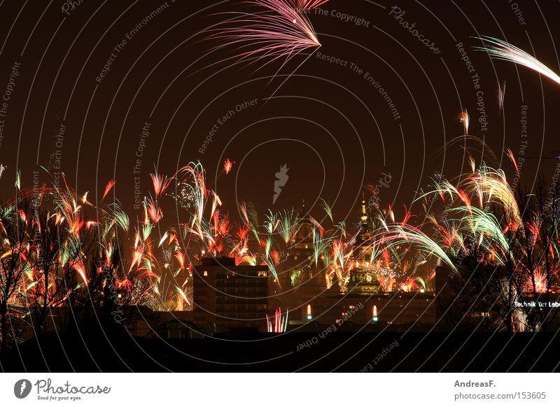 Sky Joy New Year's Eve Dresden Firecracker Night shot Tracer path Rocket flare