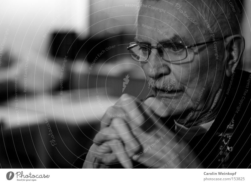 Hand Old Senior citizen Human being Nose Eyeglasses Ear Facial hair Wrinkles Grandfather Retirement Face Gray-haired Male senior