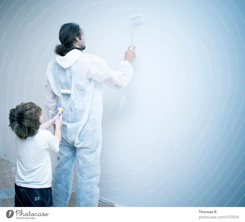Child Family & Relations Colour Wall (building) Parents Dye Building Painting (action, work) Father Craft (trade) Painting and drawing (object) Redecorate Paints and varnish Daub Protective clothing
