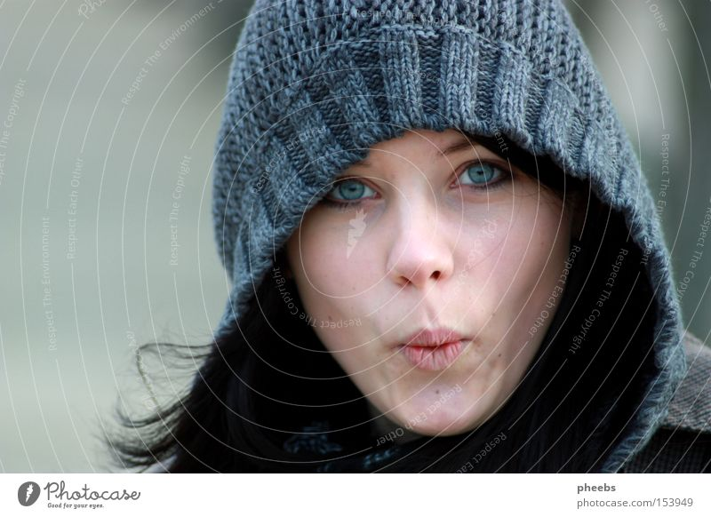 Woman Portrait photograph Winter Face Black Eyes Cold Autumn Hair and hairstyles Gray Park Human being Pallid Hooded (clothing) Amazed