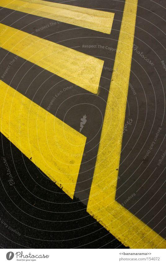 Yellow Street Gray Line Concrete Communicate Asphalt Sidewalk Traffic infrastructure Pavement Symmetry Street sign Zebra crossing
