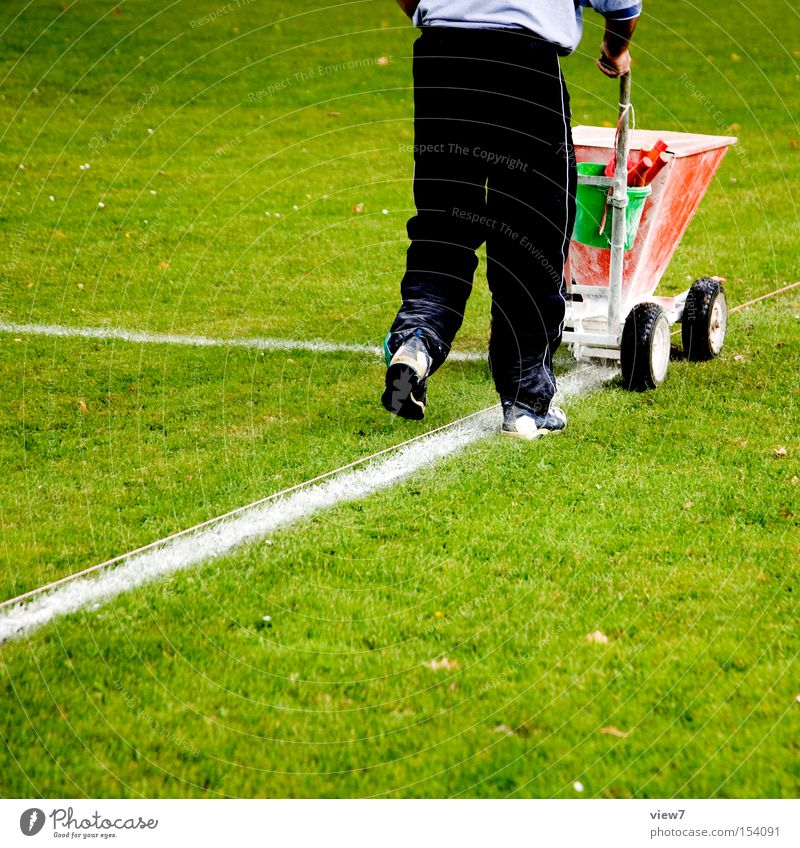 markers Signs and labeling Line Places Football pitch Sports Lawn Grass surface Green Preparation Machinery Carriage Lime Craft (trade) Marker line Sideline