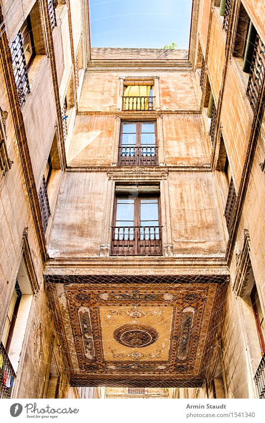 Inner courtyard Barcelona Style Design Vacation & Travel Sightseeing City trip Summer Living or residing House (Residential Structure) Sky Cloudless sky