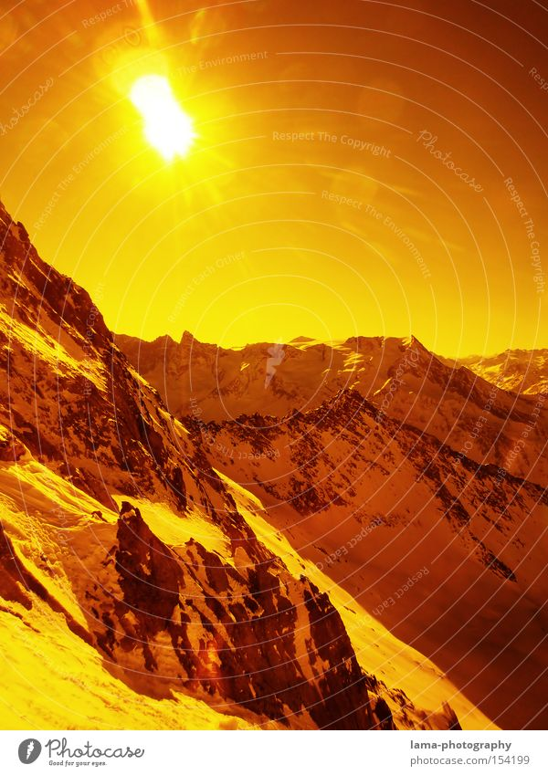 Orange Snow Mountain Sun Mars Martian landscape Planet Back-light Panorama (View) Peak Rock Deep snow Skiing goggles Celestial bodies and the universe Large
