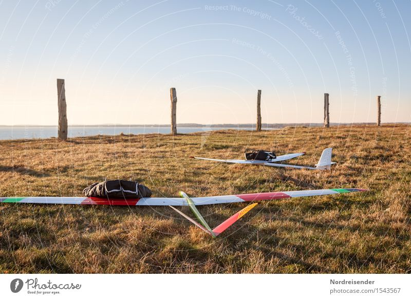 model flight Leisure and hobbies Model-making Nature Landscape Air Water Sky Cloudless sky Spring Beautiful weather Wind Grass Meadow Coast Baltic Sea Ocean