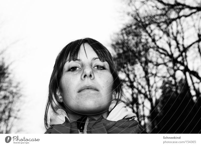 I the little subject Woman Black & white photo Tree Unfriendly Cold Winter Face Nature Fear Panic Bangs Looking back na smaller Obedient subordinates
