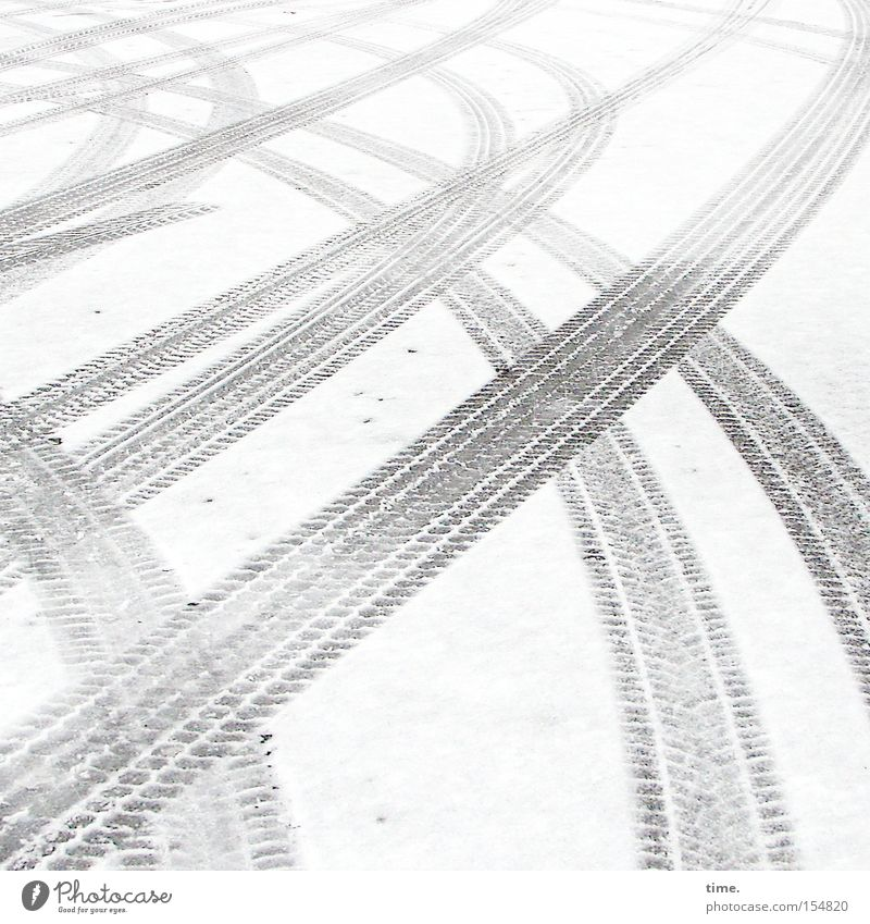 White Winter Street Snow Gray Bright Tracks Wet Transport Search Uniqueness Asphalt Traffic infrastructure Curve Parallel Muddled
