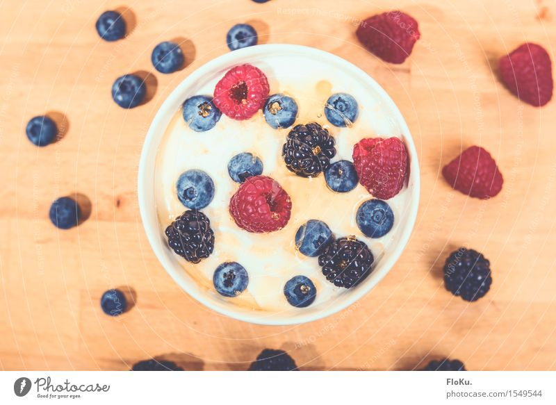 Berry breakfast Food Yoghurt Dairy Products Fruit Dessert Nutrition Breakfast Organic produce Vegetarian diet Diet Bowl Fresh Healthy Delicious Natural Sweet