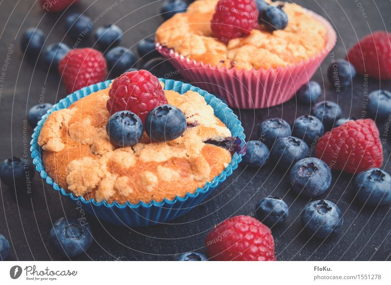 Crumble muffins with a hint of berries Food Fruit Dough Baked goods Nutrition To have a coffee Finger food Fresh Healthy Delicious Sweet Blue Yellow Red