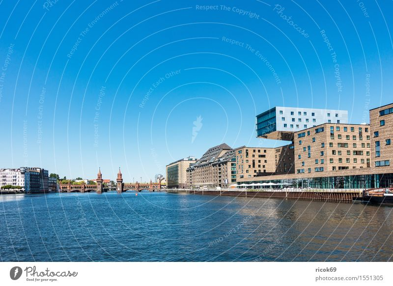 Vacation & Travel City Blue House (Residential Structure) Architecture Berlin Building Tourism River Manmade structures Cloudless sky Capital city Tourist Attraction Attraction Spree