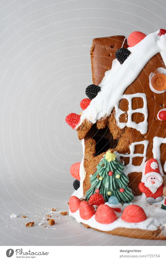 Gingerbread Christmas & Advent House (Residential Structure) Nutrition Flat (apartment) Sweet Broken Delicious Hut Candy Value Damage Detached house What a pity Gingerbread house