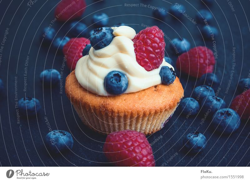 small tartlet Food Dairy Products Fruit Dough Baked goods Cake Dessert Nutrition To have a coffee Vegetarian diet Beautiful Delicious Sweet Blue Yellow Red