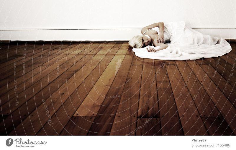 Woman White Sadness Elegant Floor covering Grief Fantastic Distress Noble Fairy Elf Princess