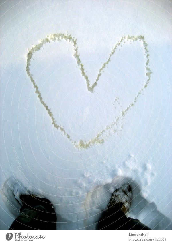 Love Snow Heart Painting and drawing (object) Photography Human being Pisa Infatuation Urinate Urine Pippi Longstocking Display of affection