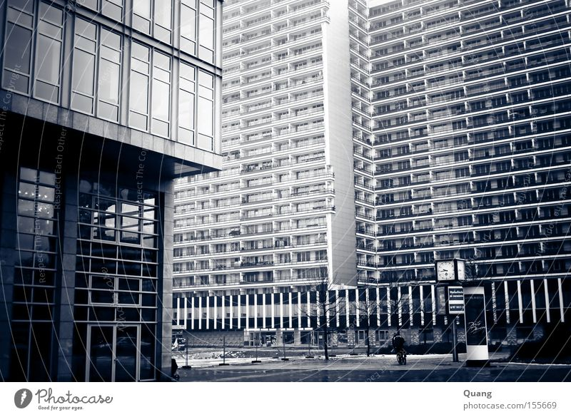 City House (Residential Structure) Street Berlin Architecture Flat (apartment) Glass Facade High-rise Traffic infrastructure Living room Downtown Berlin