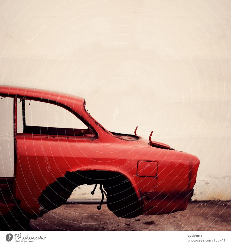 Old Red Movement Car Transport Motor vehicle Transience Trash Obscure Vehicle Hover Frame Remainder Scrap metal Lack Raw