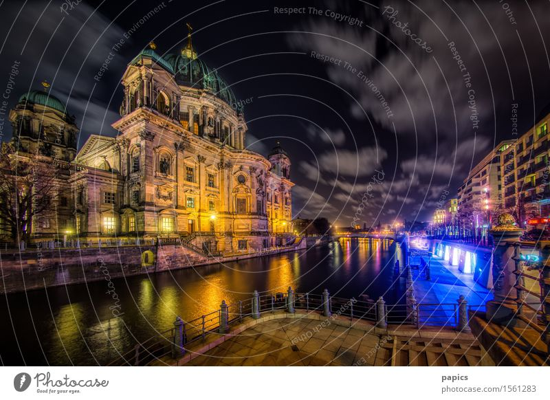 Berlin Lights Town Capital city Downtown Old town House (Residential Structure) Church Dome Manmade structures Building Architecture Tourist Attraction Landmark