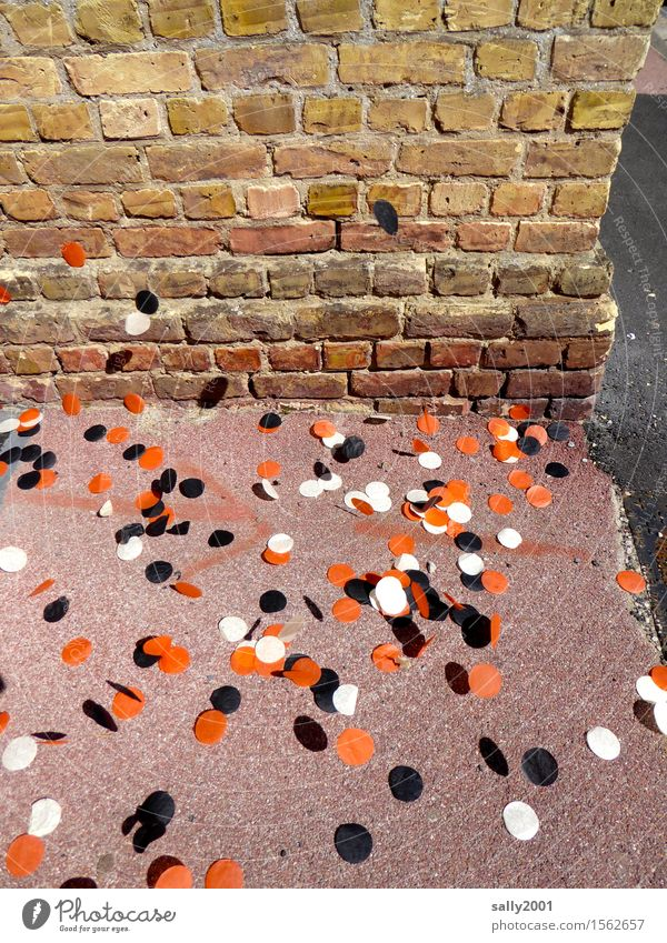 Rest of the party... Wall (barrier) Wall (building) Feasts & Celebrations Trashy Town Multicoloured Red Black White Chaos End Kitsch Confetti Sidewalk Tricolour