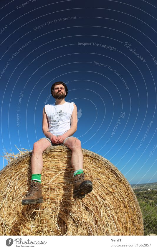 stooge Contentment Relaxation Trip Adventure Summer Masculine Young man Youth (Young adults) Adults Facial hair Legs 1 Human being 18 - 30 years Sky Grass Field