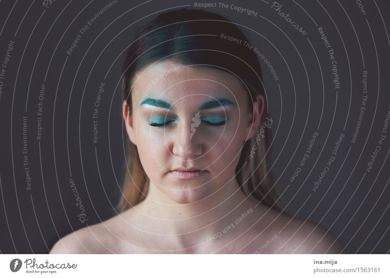 _ Cosmetics Make-up Human being Feminine Young woman Youth (Young adults) Life 1 18 - 30 years Adults Artist Painter Actor Fantastic Free Hideous Blue Shame