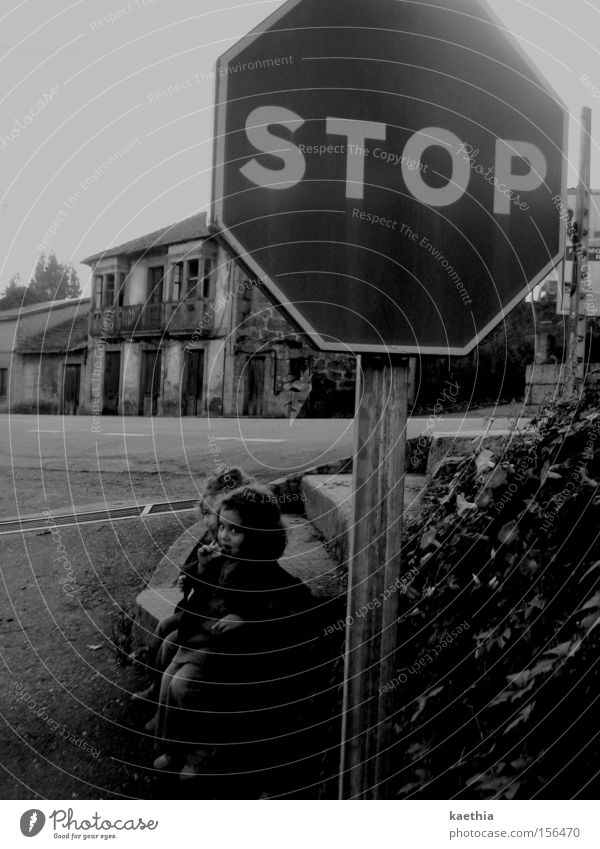 Child Girl House (Residential Structure) Street Wait Signs and labeling Transport Sit Stop Observe Creepy Spain Traffic infrastructure Ruin Toddler Warning label