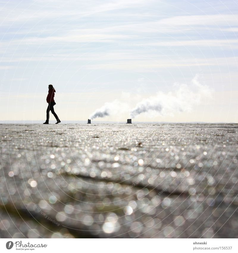 Woman Human being Sky Sun Loneliness Far-off places Think Glittering Horizon Industry To go for a walk Smoke Exhaust gas Edge The Ruhr
