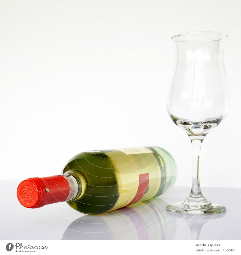 white wine with glass Bottle of wine Wine glass Cloth Alcoholic drinks Gourmet To enjoy Gastronomy Decoration Glass clean Search more gourmet