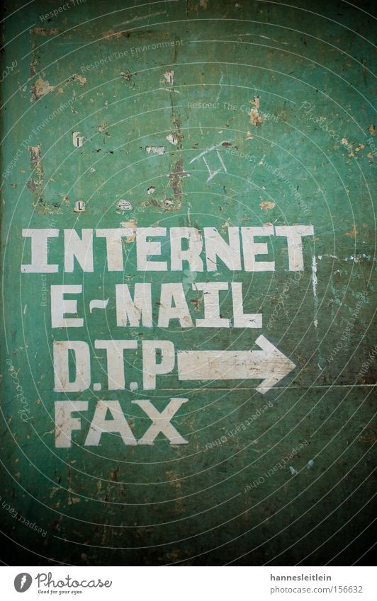Indernett III Internet Email Fax Telephone Communicate Telecommunications India Contact Arrow Green Contrast Direction Signs and labeling Illustration
