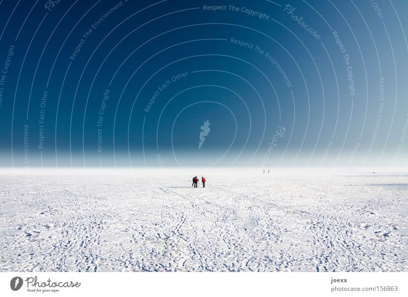 Human being Sky Far-off places Snow Ice Horizon Tracks Infinity Planet Foreign Flat Vacation & Travel Expedition Helpless Frozen surface Arctic Ocean